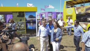 Mauricio Macri y Maria Eugenia Vidal en el Stand del Gobierno de la Ciudad en Expoagro