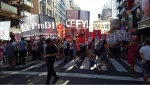 Protesta-Corrientes-Callao-Agricultura-Nacion_CLAIMA20160216_0040_28